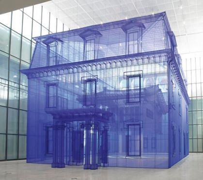 Hvordan kan man føle sig hjemme som et moderne, omrejsende og rodløst menneske?</br>Do Ho Suhs Home Within Home fra en udstilling i Seoul i Korea. Polyester fabric, metal frame. © Do Ho Suh. Courtesy the Artist, Lehmann Maupin, New York, Hong Kong and Seoul.</br>Foto: © Do Ho Suh