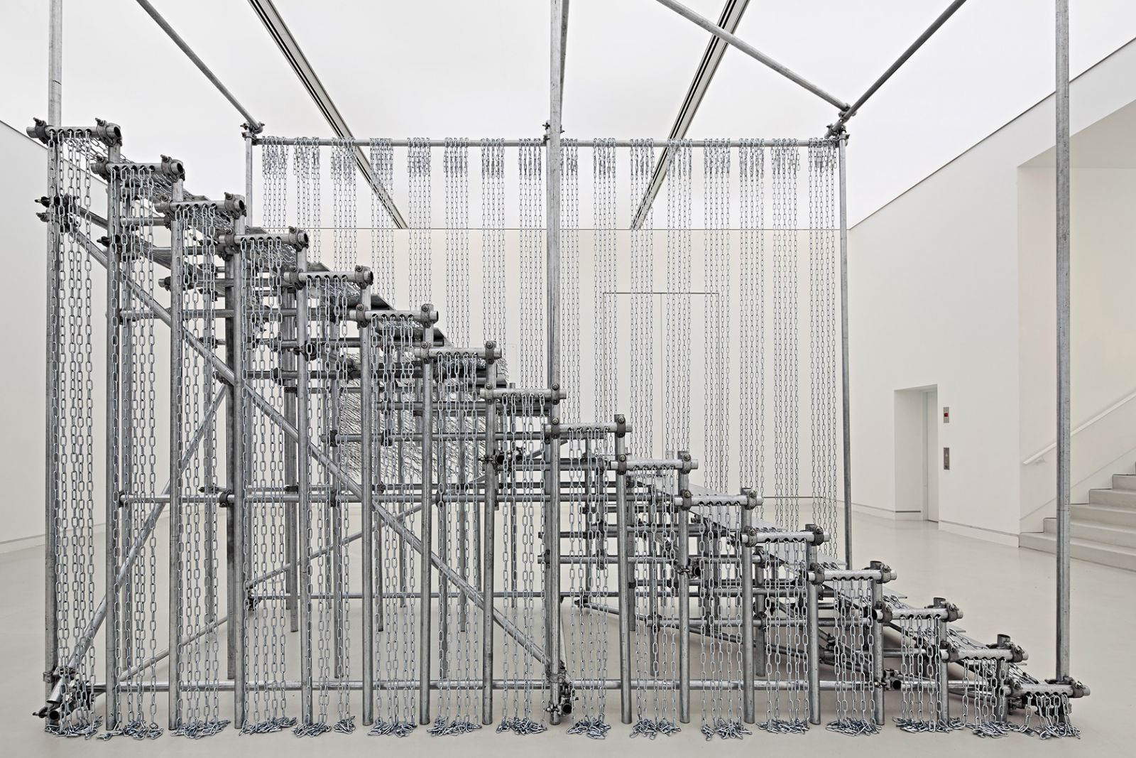 Brexit spøger på Kunsthal Charlottenborgs nye udstilling</br>Monica Bonvicini, SCALE OF THINGS (to come), 2010 © Monica Bonvicini and VG-Bild Kunst</br>Foto: Photo by Norbert Miguletz. Courtesy the artist and König Galerie