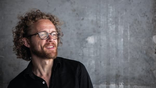 Nyt teater kombinerer Virtual Reality, animation og gaming med klassisk scenekunst</br>Den dobbelte Reumert-vinder Jakob Tekla Jørgensen kommer til at stå i spidsen for White Hole Theater. </br>Foto: PR-foto / Have - Louise Dybbro